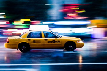 catching-a-cab-in-new-york-city