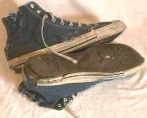 worn-out-Chucks-converse-broke-ass-stuart