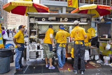 08/11/14 Features, The Halal Guys food cart on 53rd Street and 6th Avenue (South East Corner), Manhattan. NY Post Brian Zak