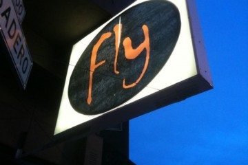 fly- sign-divis