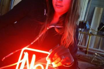 meryl-neon