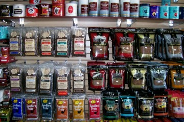 cheapass-bulk-pipe-tobacco-can-be-purchased-at-many-San-Francisco-smoke-shops