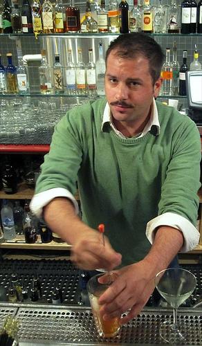 Patrick Poelvoorde - Hedonist Barkeep