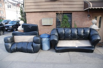 couches-furniture-on-the-street