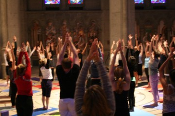 grace-cathedral-yoga