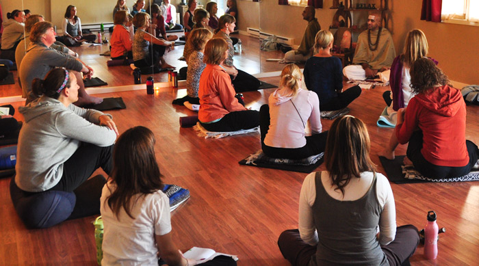 Get Centered With Free Siddha Yoga And Meditation Sessions In Chelsea Broke Ass Stuart S Website