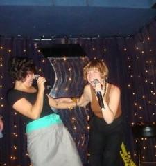 carrie-claudia-karaoke