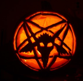 Baphomet_Pumpkin_Carving_by_King_Arturia_Emiya