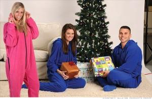 people-in-pajamas-broke-ass-stuart