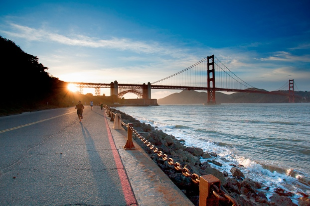 running-golden-gate-bridge
