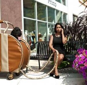 giant-purse-broke-ass-stuart