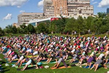 wanderlust-yoga-in-the-city-new-york-broke-ass-stuart