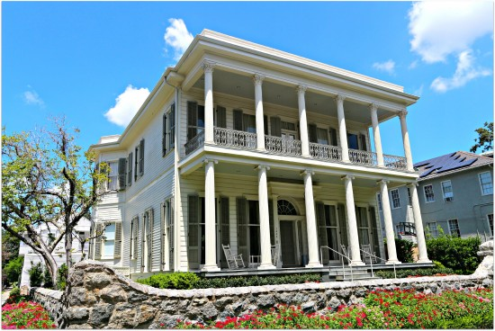 New-Orleans-Mansion