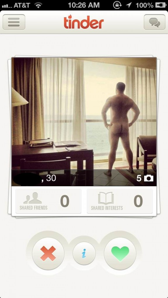 naked-dude-tinder