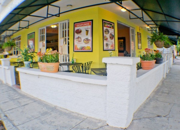 Noah's-Cafe-and-Bar-puerto-vallarta