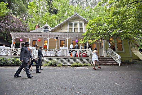 Choosing A Cheap-ass Wedding Venue For Under $1,000
