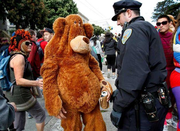 b2b bear and cop