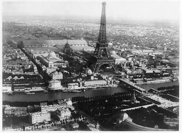 Eiffel-Tower-during-the-Wrolds-Fair-1889-Courtesy-The-Library-of-Congress