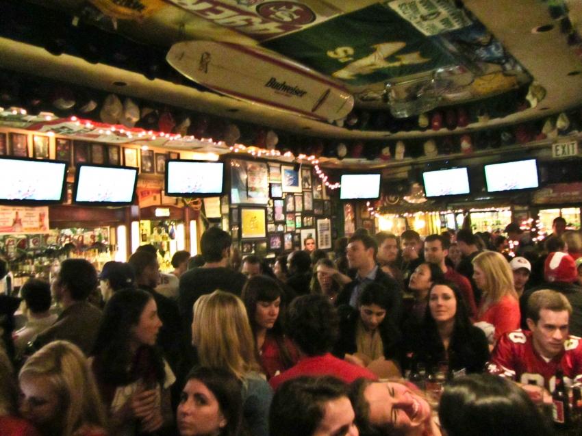 green's-sports-bar