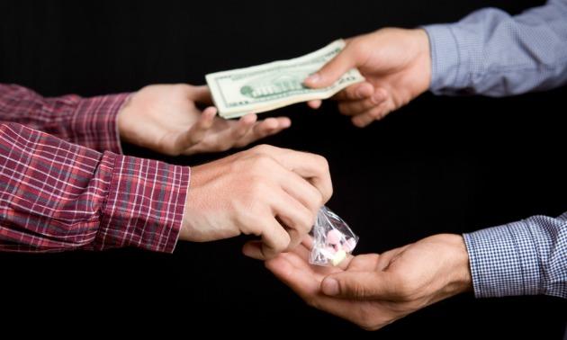 drug-deal-in-progress-broke-ass-stuart-nyc