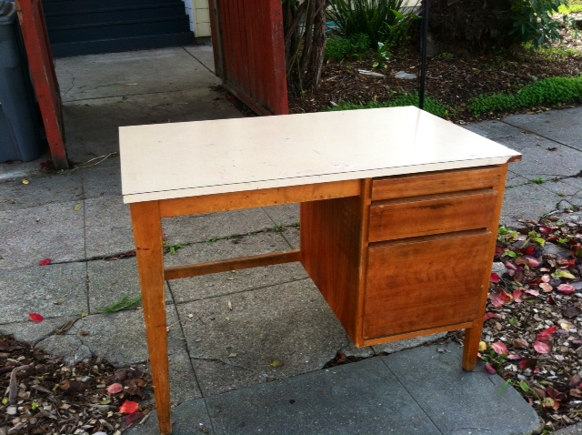 Who wants a FREE desk?