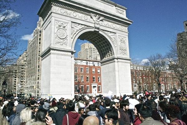 Pillow-Fight-NYC-Washington-Square-Park-Broke-Ass-NYC-Entrance