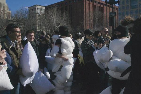 Pillow-Fight-NYC-Washington-Square-Park-Broke-Ass-NYC-Masked-Pillow-Man