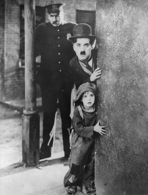 charlie-chaplin-the-kid-barcelona-homeless-esperanca