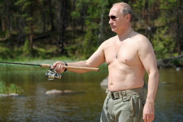 shirtless--Putin--fishing