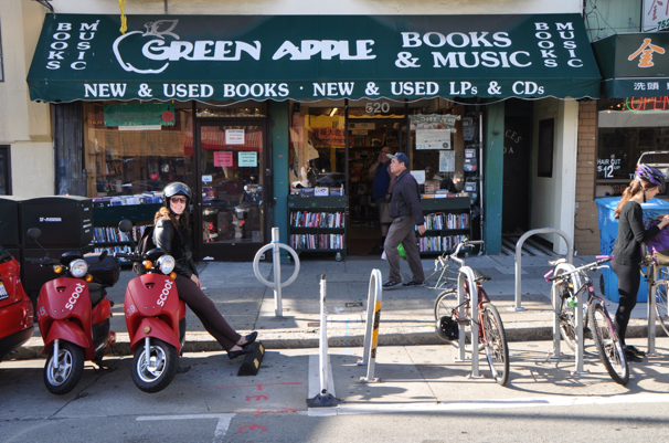 scoot apple books