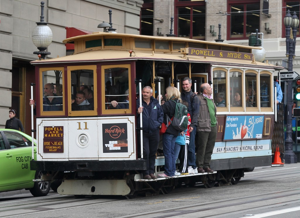 11_Cable_Car_on_Powell_St_crop,_SF,_CA,_jjron_25.03.2012
