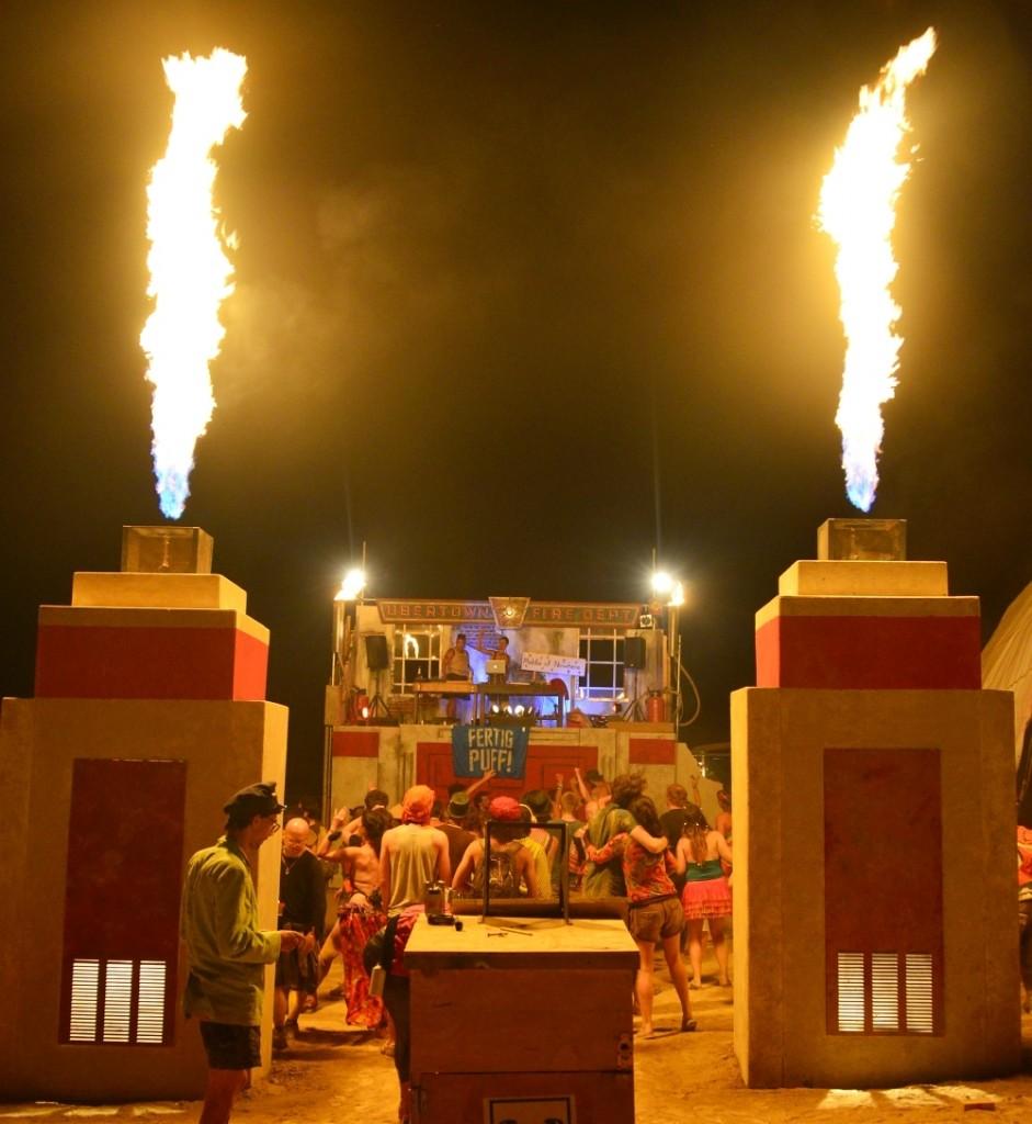 nowhere-festival-spain-zaragoza-burning-man-ubertown-fire-department-party