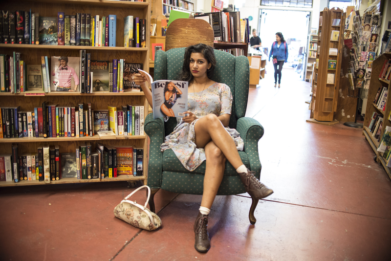 Beautiful-Women-in-Bookstores-Sonia-2
