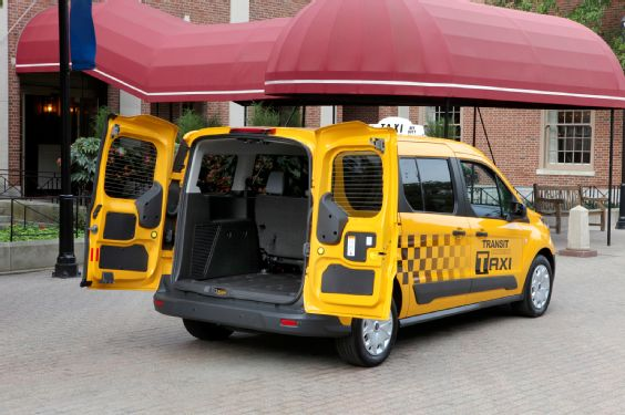 2014-Ford-Transit-Connect-Taxi-cargo-area-open