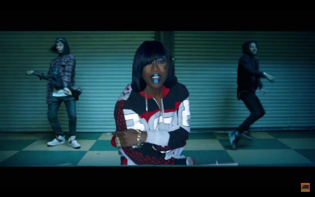 Missy-Elliott-WTF-video-blue-lipstick