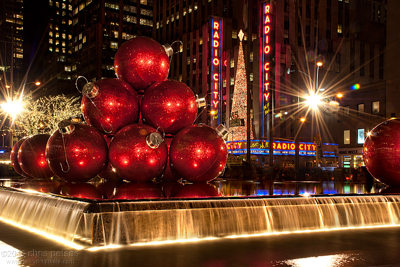 New York During Christmas Time.We Have Free Tickets For A Guided Tour Of Nyc Holiday Sites