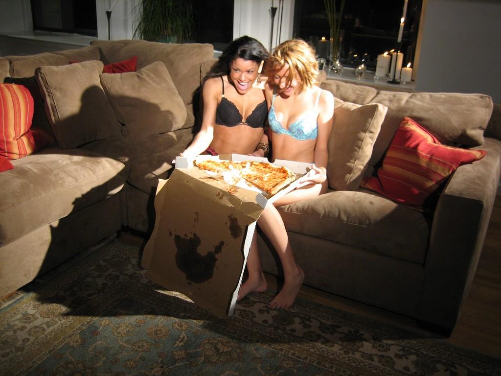 pizza-threesome