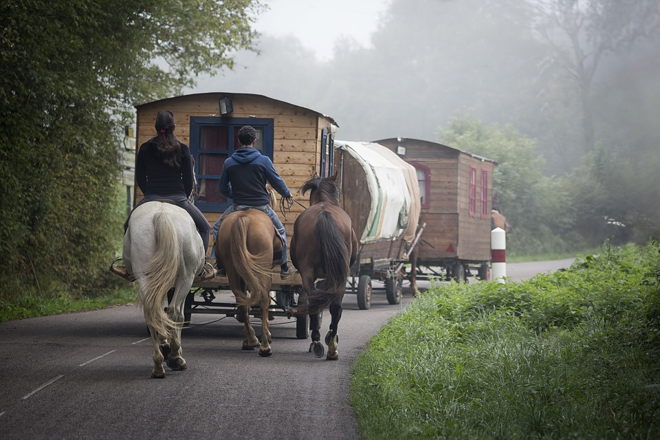 horse caravan travel