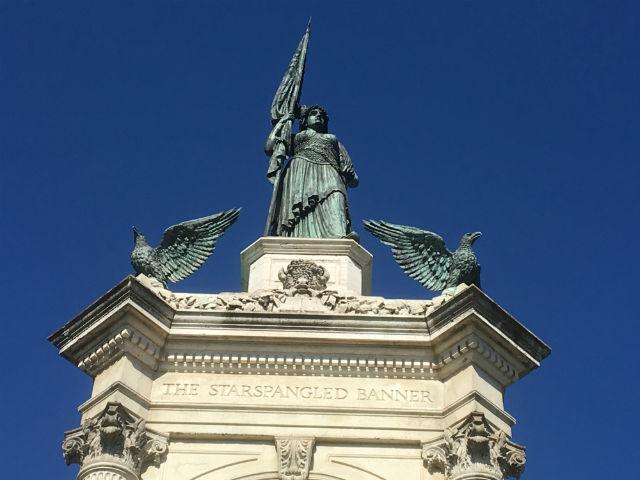 statuetop