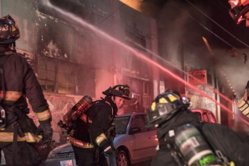 la-me-oakland-fire-20161203-photos
