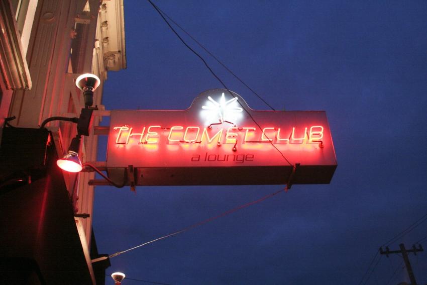 comet club sign