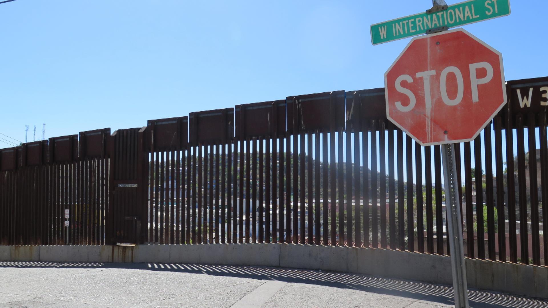 fence trump